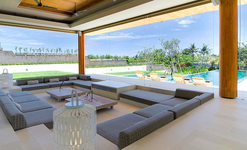 Living Room Bali Restaurant Lounge